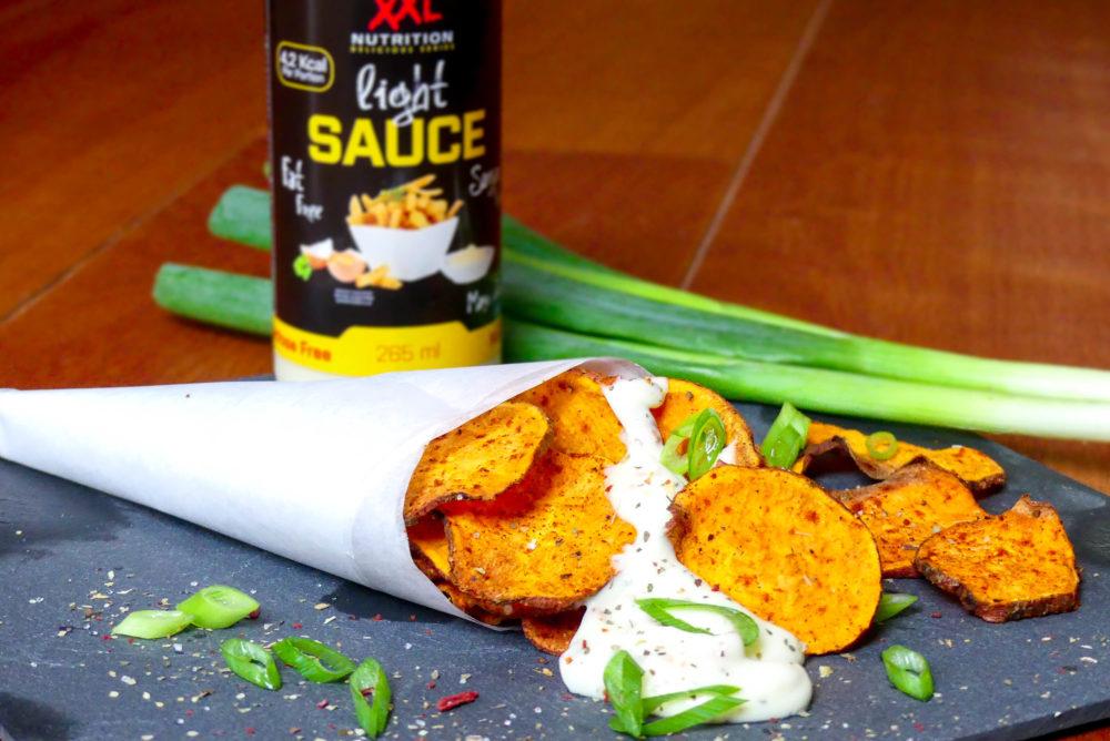 zoete aardappel chips kruidige mayonaise